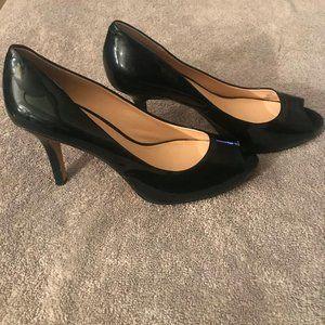 Size 8 Vince Camino open toe heel like new